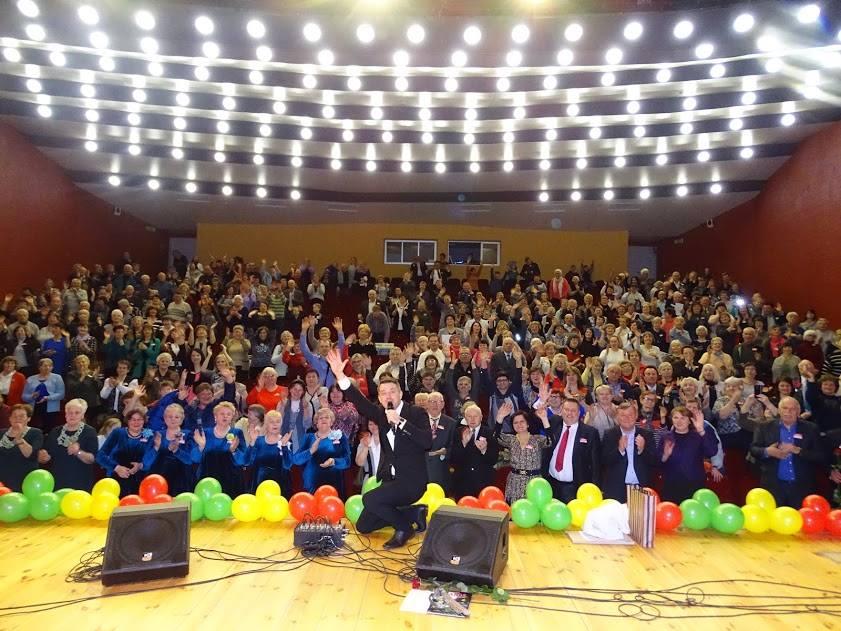 """Akimirka iš ,,Radviliškio krašto bendruomenės"""" šventės (iš bendruomenės archyvo)"""